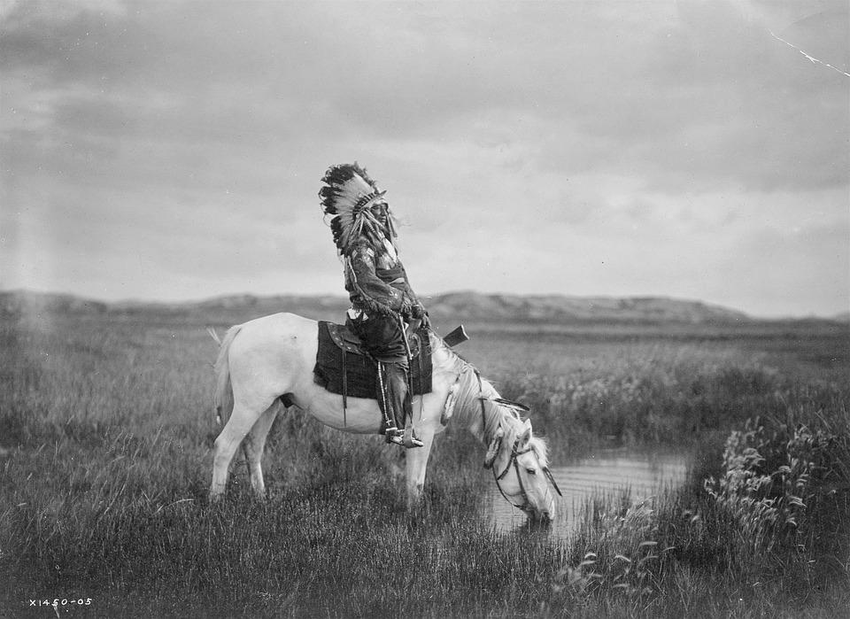 Para alguns índios de Wisconsin, a aurora era uma premonição, representando seus inimigos mortos preparando vingança