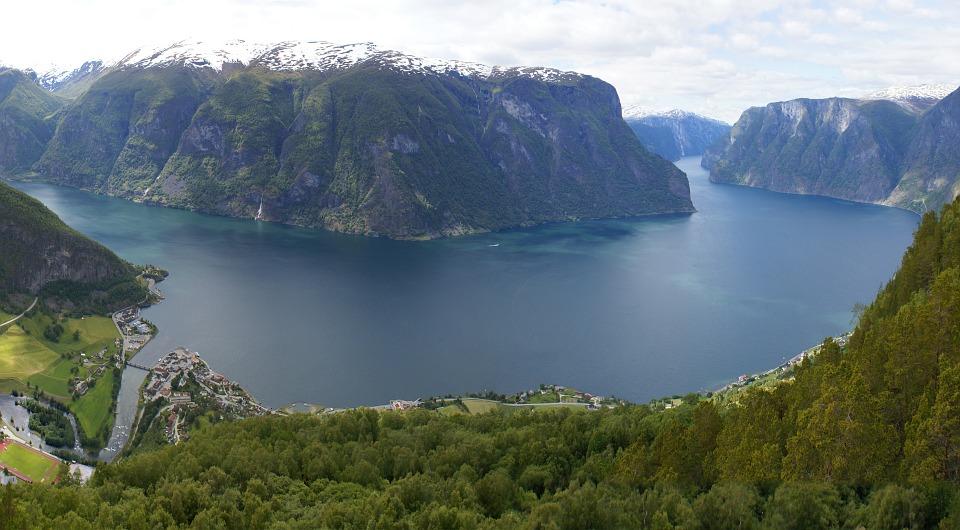 Fiorde dos Sonhos ou, em norueguês, Sognefjord