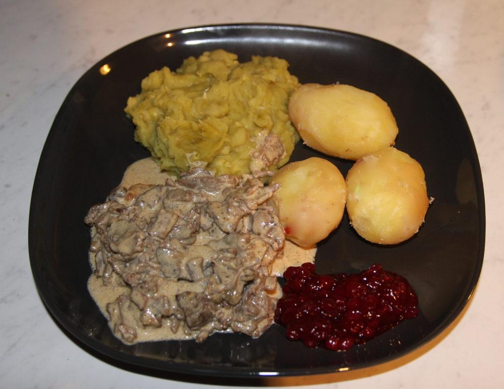 Finnbiff, ensopado de carne de rena